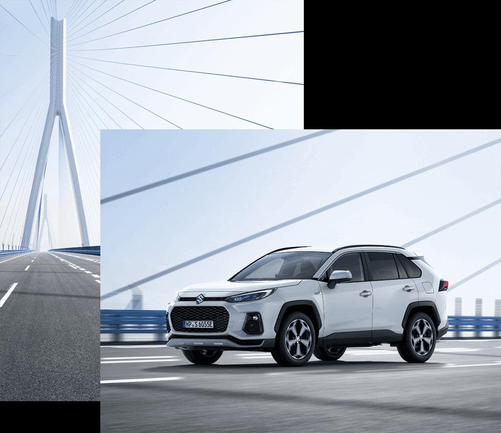 Suzuki Across Plug-in Hybrid in White Pearl Cristal Shine auf einer Brücke.