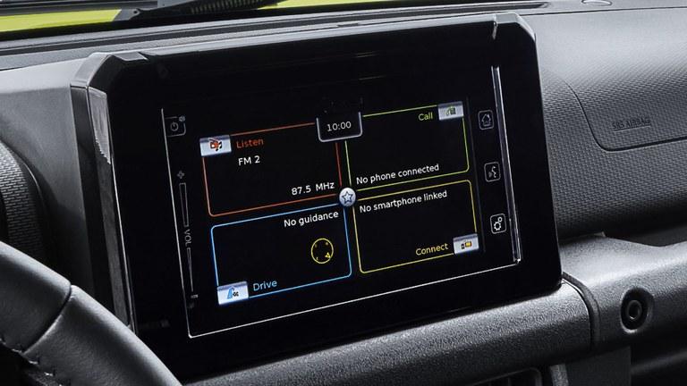 Farb-Touchscreen im Suzuki Jimny Hybrid.
