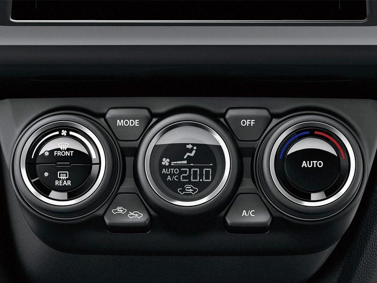 Klimaautomatik mit Pollenfilter im Suzuki Swift Sport Hybrid.