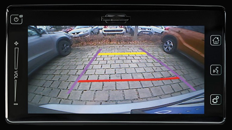 Rückfahrkamera im Suzuki Swift Sport Hybrid.
