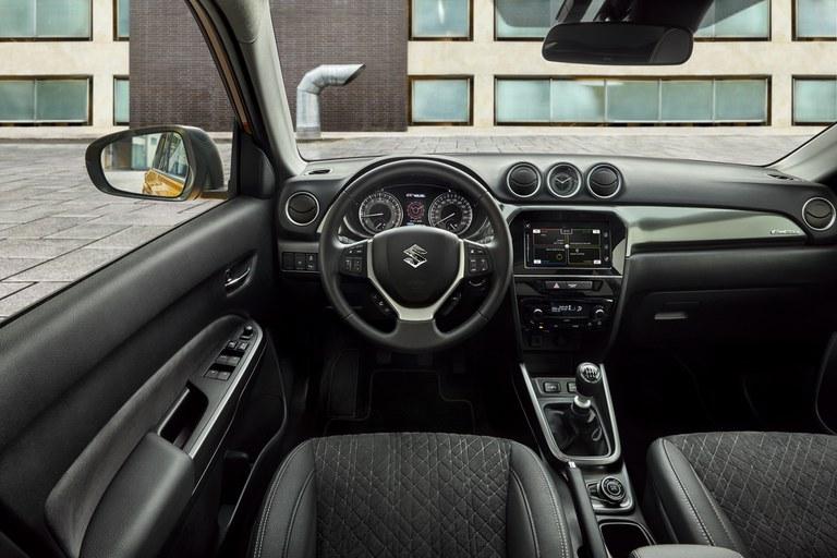 Innenraum des Suzuki Vitara Hybrid.